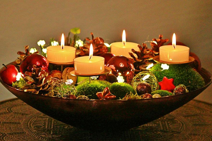 Rozświetlone stroiki świąteczne