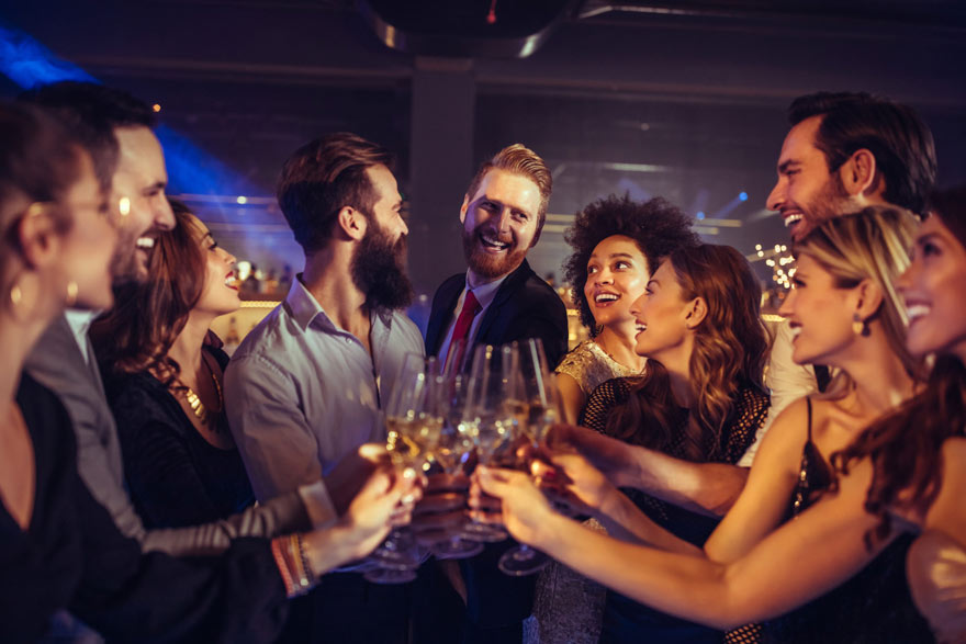 Jak urządzić przyjęcie sylwestrowe bez stresu