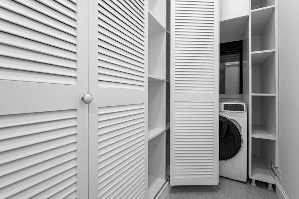 pralka w szafie