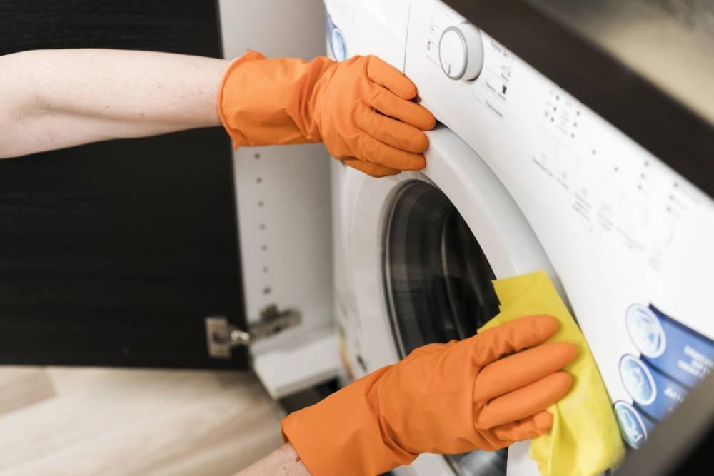 Odpowiednie czyszczenie pralki przedłuża jej prawidłowe działanie